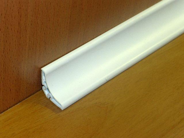 ANGOLARE IGIENICO PVC 20 x 20 x 2500 mm.