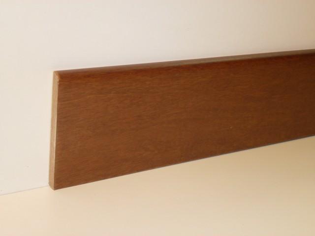 Battiscopa Tanganica verniciato 100 x 10 x 2400 mm.
